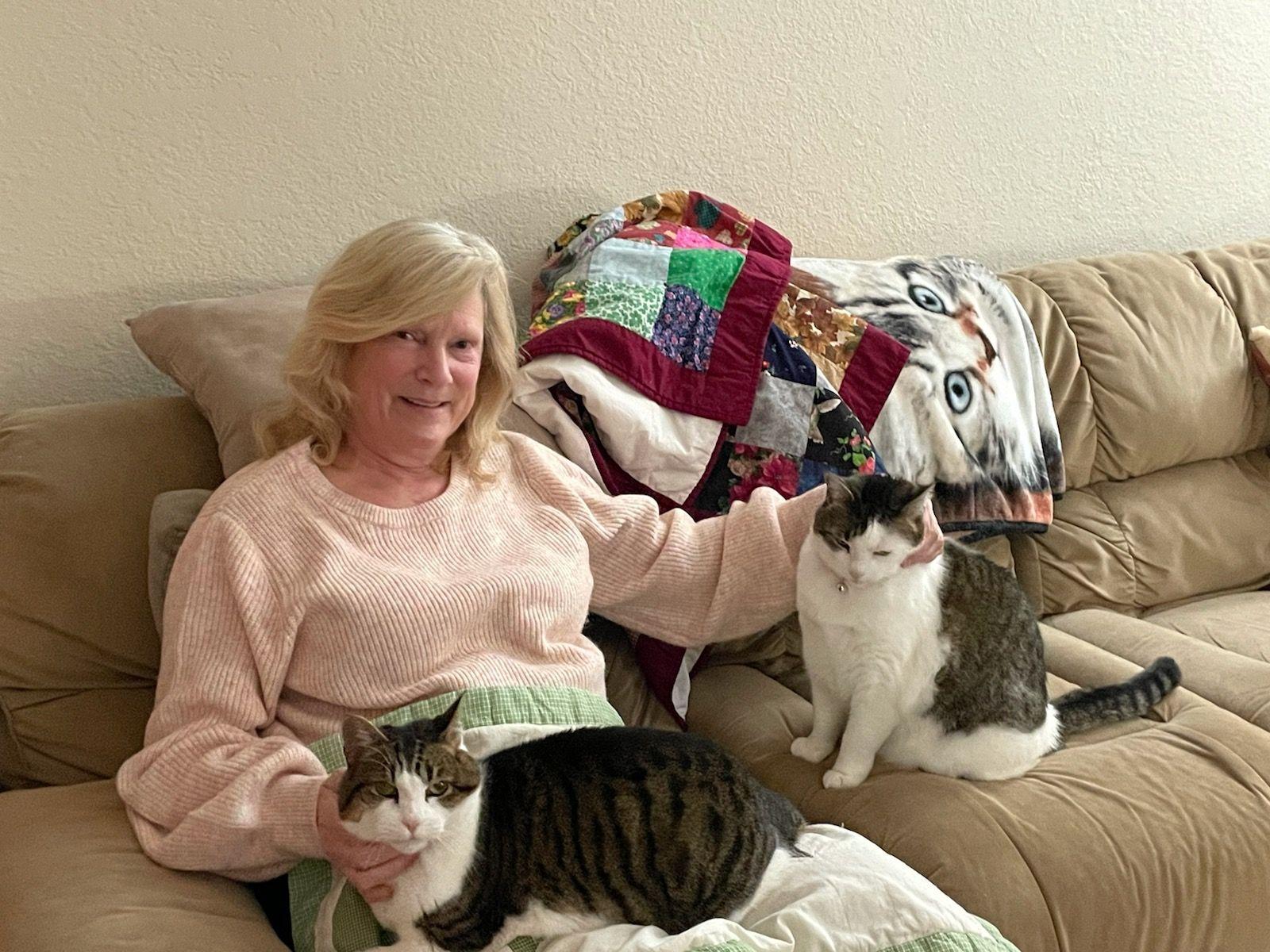 Linda D, Pet Sitter
